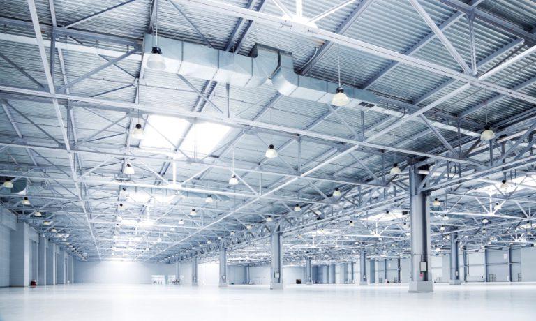 Moderne Produktionshalle