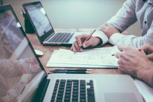 Unternehmer interessiert sich für eine Finanzierung